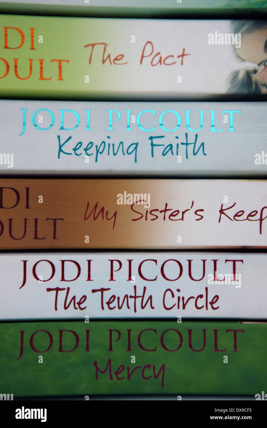 Jodi Picoult paperback books - Stock Image