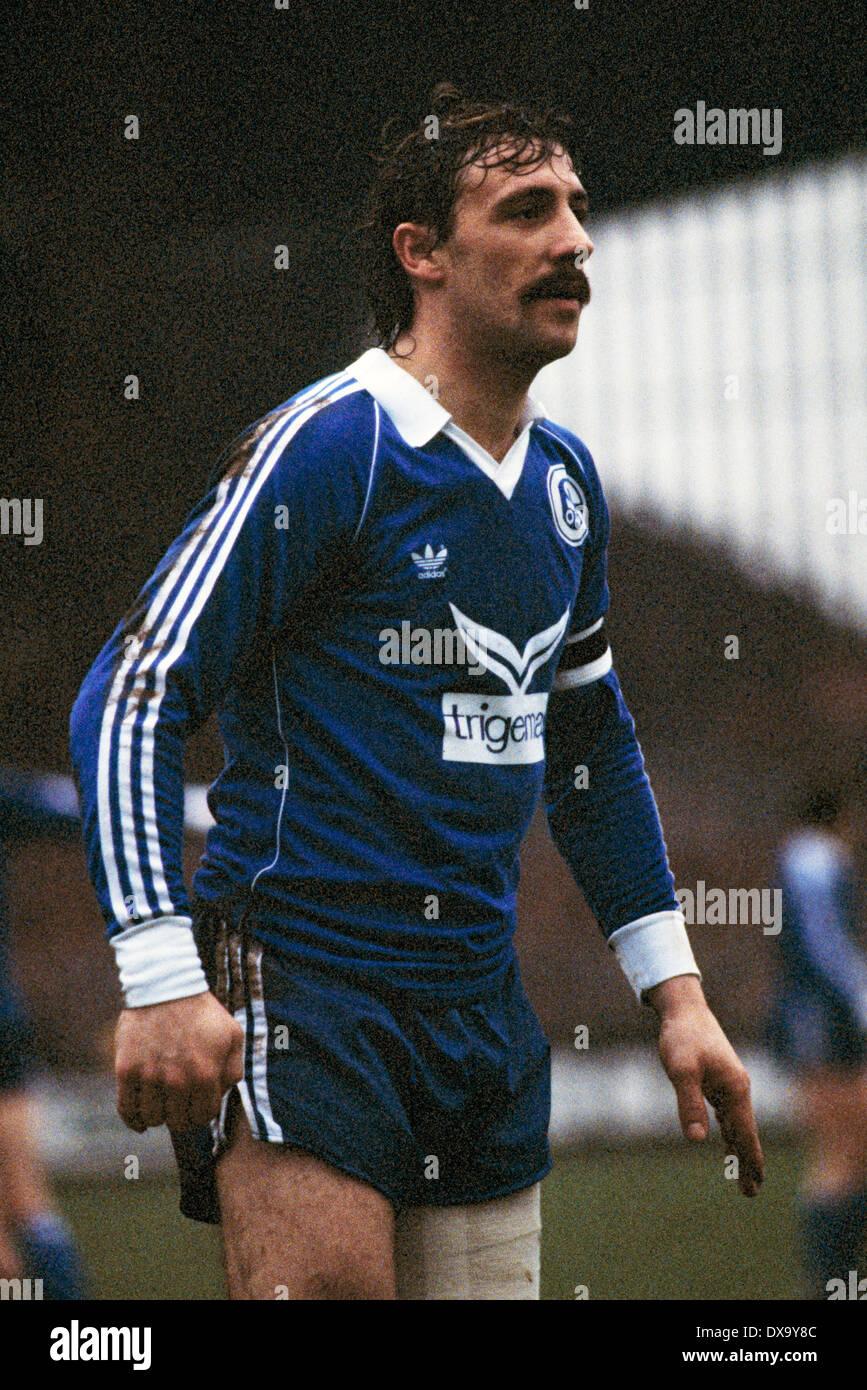 football, Bundesliga, 1980/1981, Grotenburg Stadium, FC Bayer 05 Uerdingen versus FC Schalke 04 1:3, scene of the match, Bernd Thiele (S04) - Stock Image