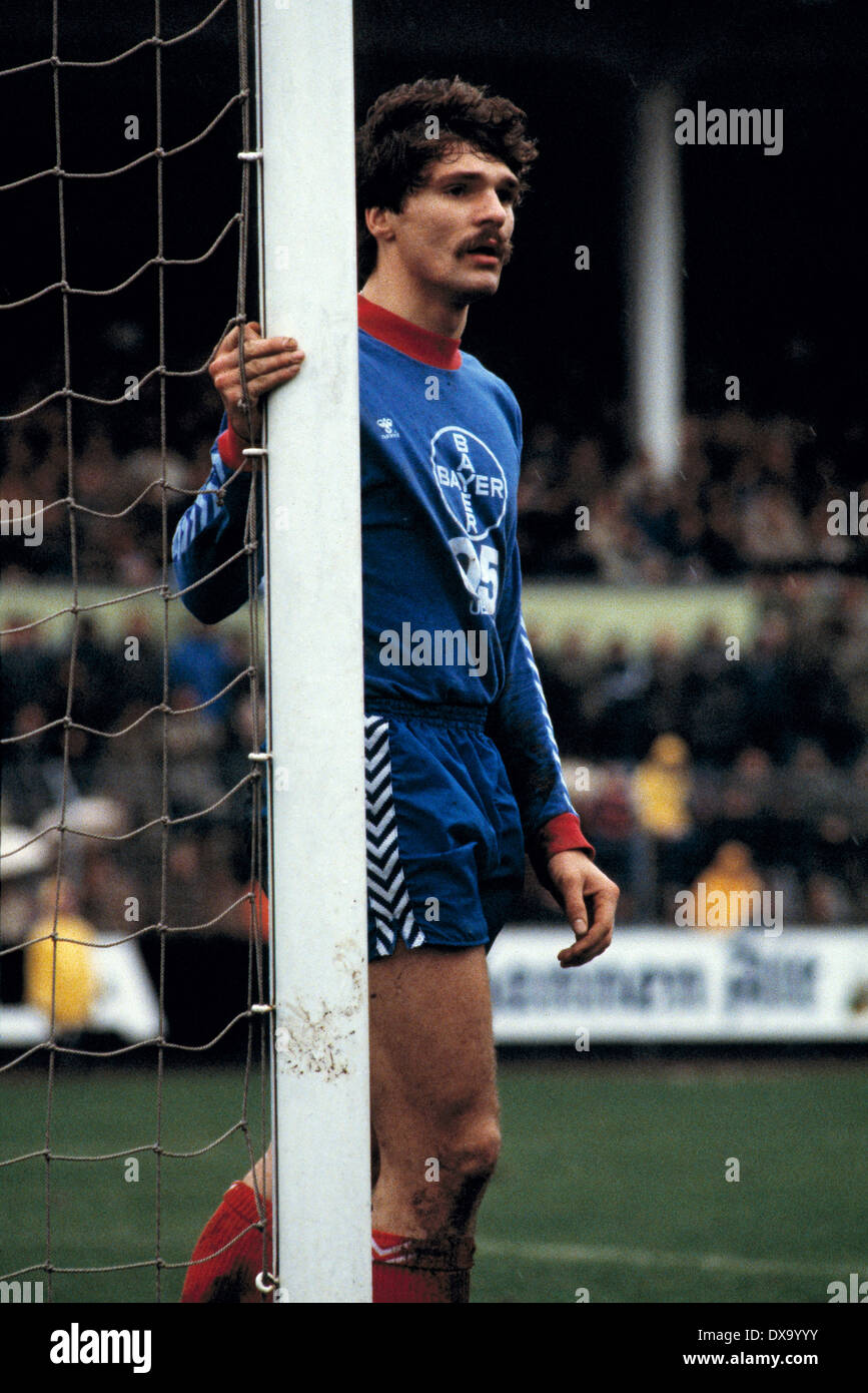 football, Bundesliga, 1980/1981, Grotenburg Stadium, FC Bayer 05 Uerdingen versus Hamburger SV 0:3, scene of the match, Ludger van de Loo (Bayer) - Stock Image