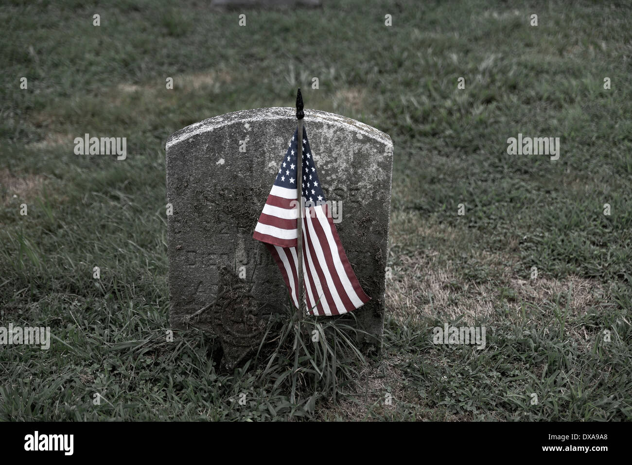 Grave markers of veteran soldier, USA - Stock Image