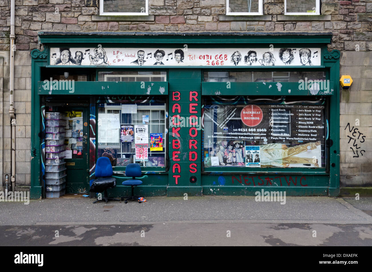 Backbeat Records - a secondhand record and CD store in East Crosscauseway, Edinburgh. - Stock Image