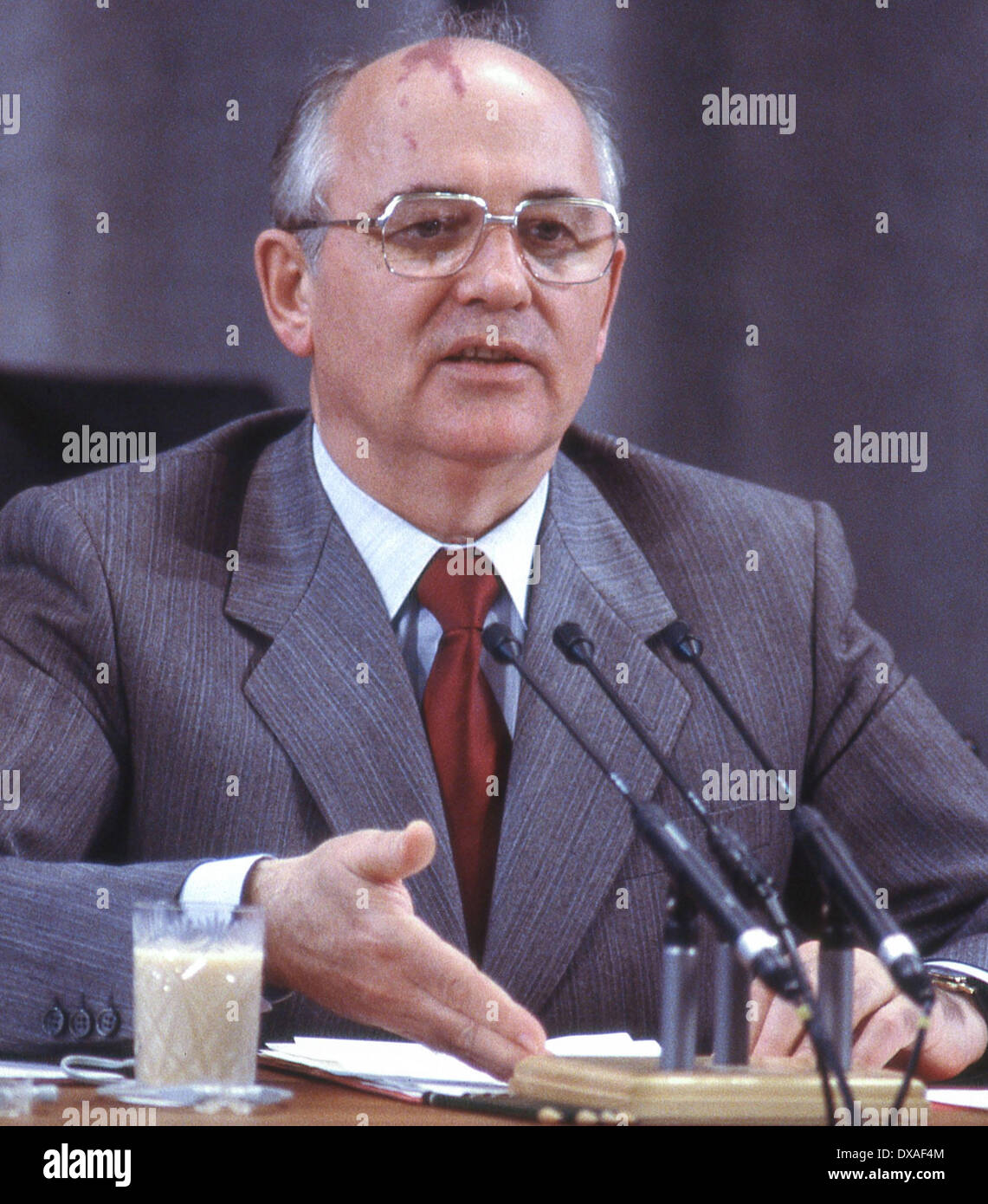 June 3, 1988 - Moscow, Russia - MIKHAIL GORBACHEV, General Secretary of the Communist Party of the Soviet Union, during a press conference in Moscow after the summit meeting with U.S. President RONALD REAGAN that finalized the Intermediate-Range Nuclear Forces Treaty. (Credit Image: © Arnold Drapkin/ZUMAPRESS.com) - Stock Image