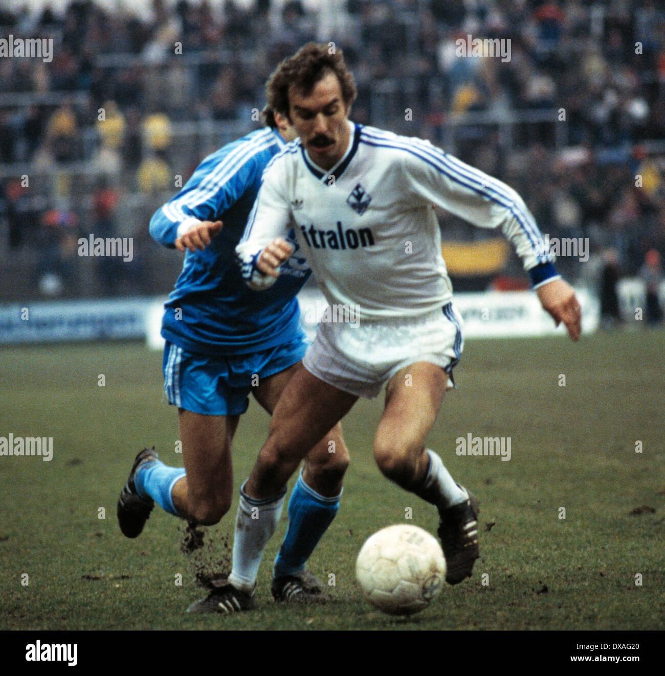 football, Bundesliga, 1984/1985, Grotenburg Stadium, FC Bayer 05 Uerdingen versus SV Waldhof Mannheim 2:2, scene of the match, Werner Heck (SVW) - Stock Image