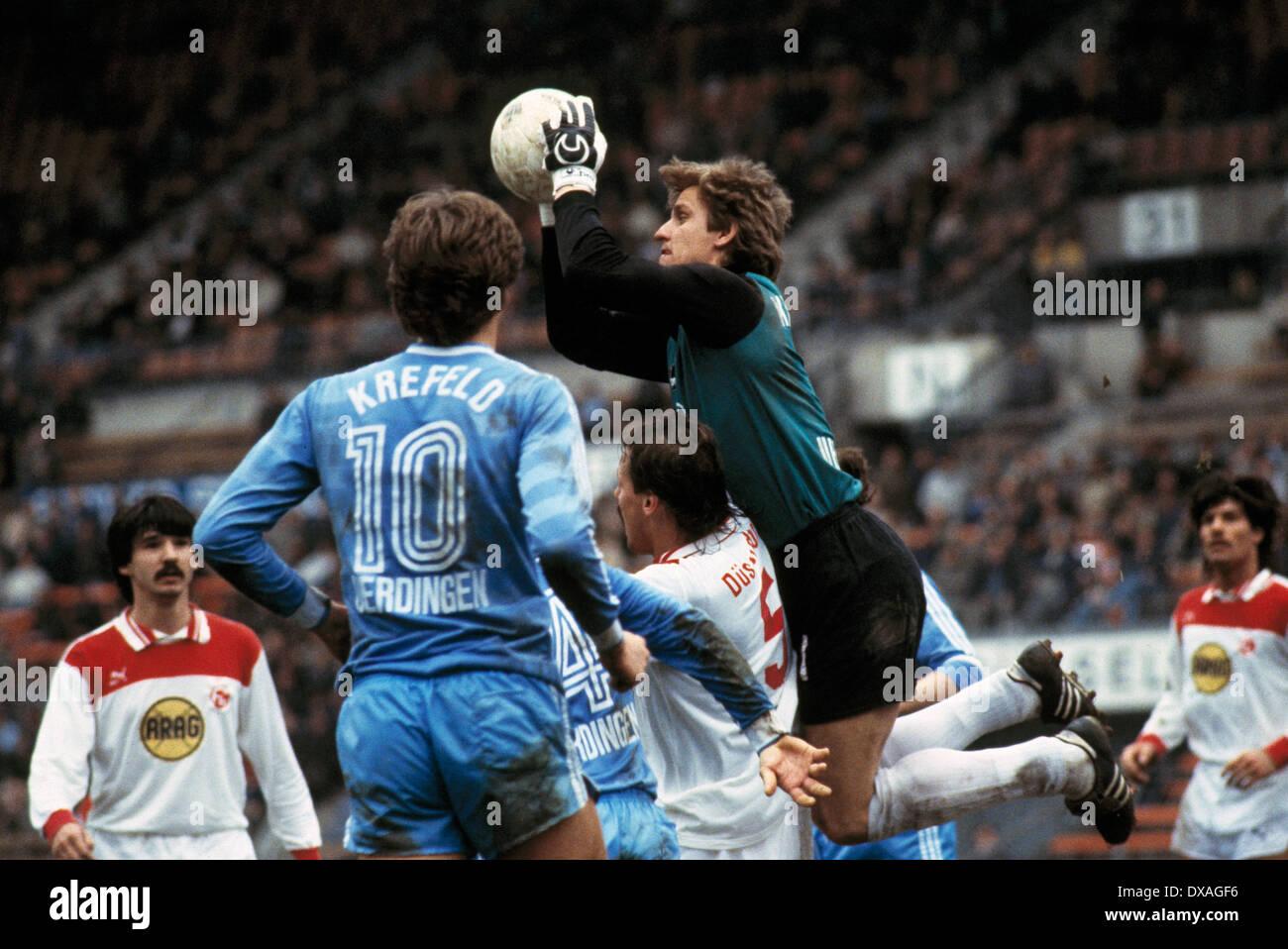 football, Bundesliga, 1984/1985, Rhine Stadium, Fortuna Duesseldorf versus FC Bayer 05 Uerdingen 2:2, scene of the match, save of keeper Werner Vollack (Bayer) - Stock Image