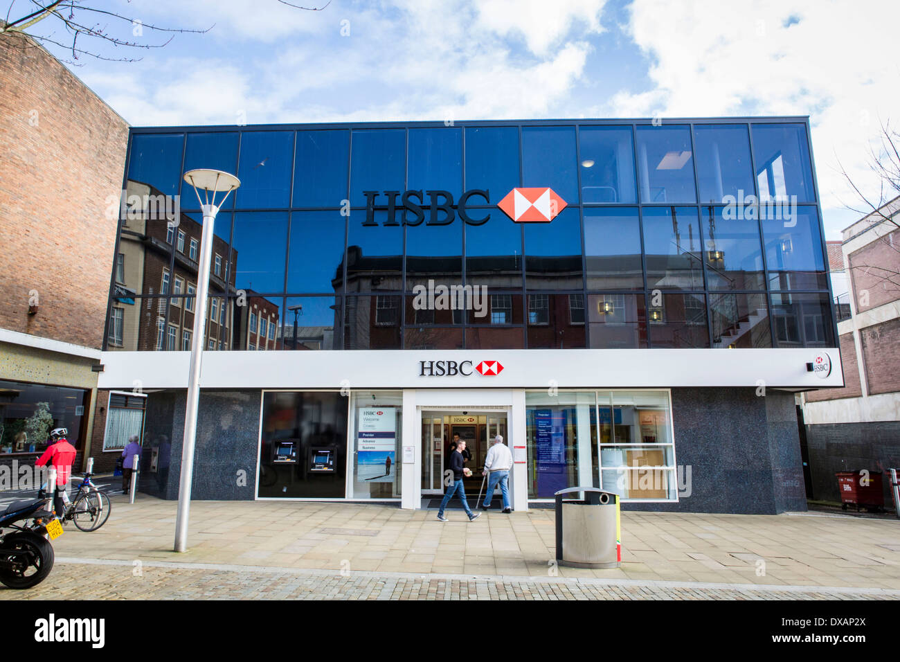 Hsbc Bank Stock Photos & Hsbc Bank Stock Images - Page 2 - Alamy