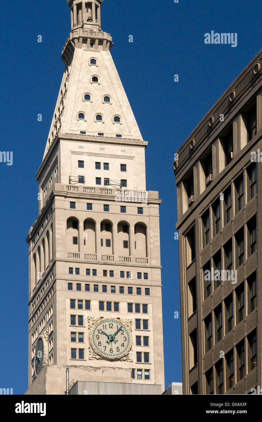 Clock tower of the Metropolitan Life Insurance Company. 1 Madison Ave This edficio office of the same company named, was built - Stock Image