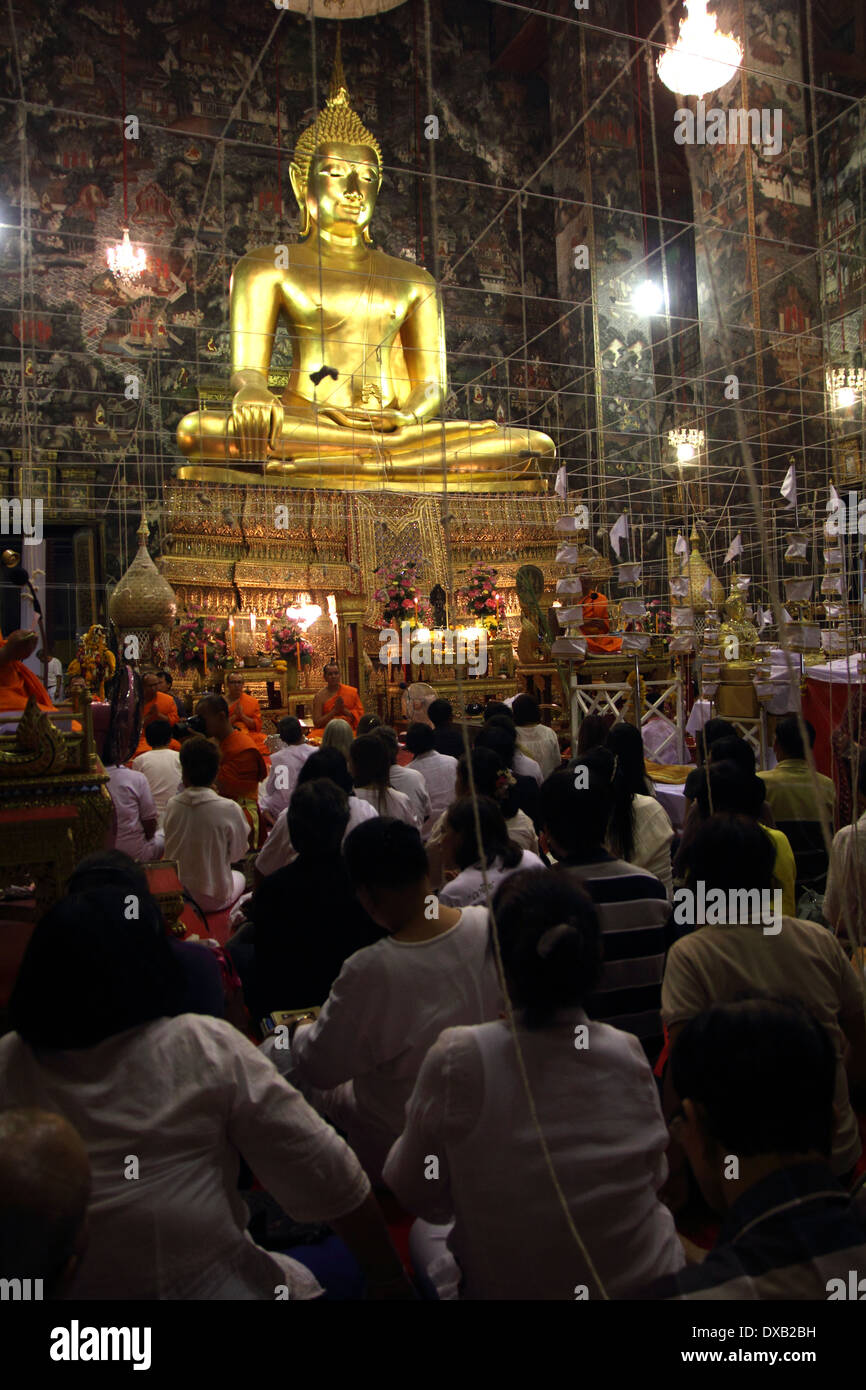 Buddhists spend the New Year\'s Eve countdown by chanting and ...