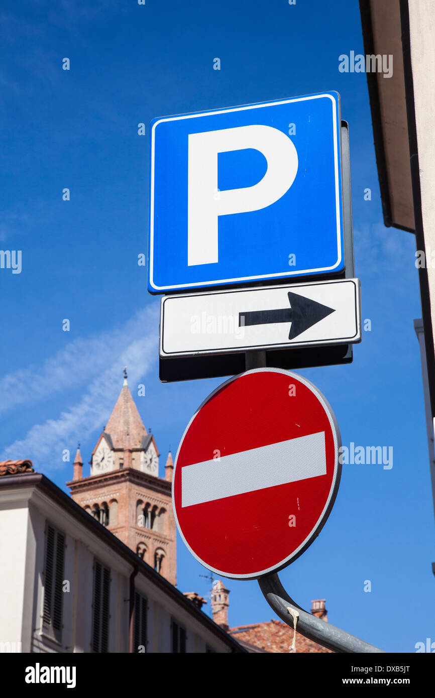 PArking and no entry sign in Alba, Piemonte, Italy - Stock Image