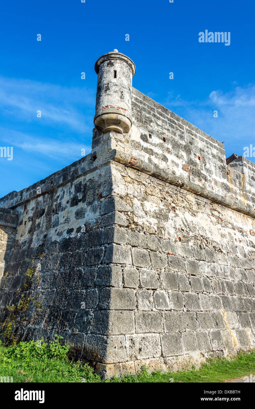 Corner of the defensive wall that surrounds the historic center of Cartagena, Colombia - Stock Image