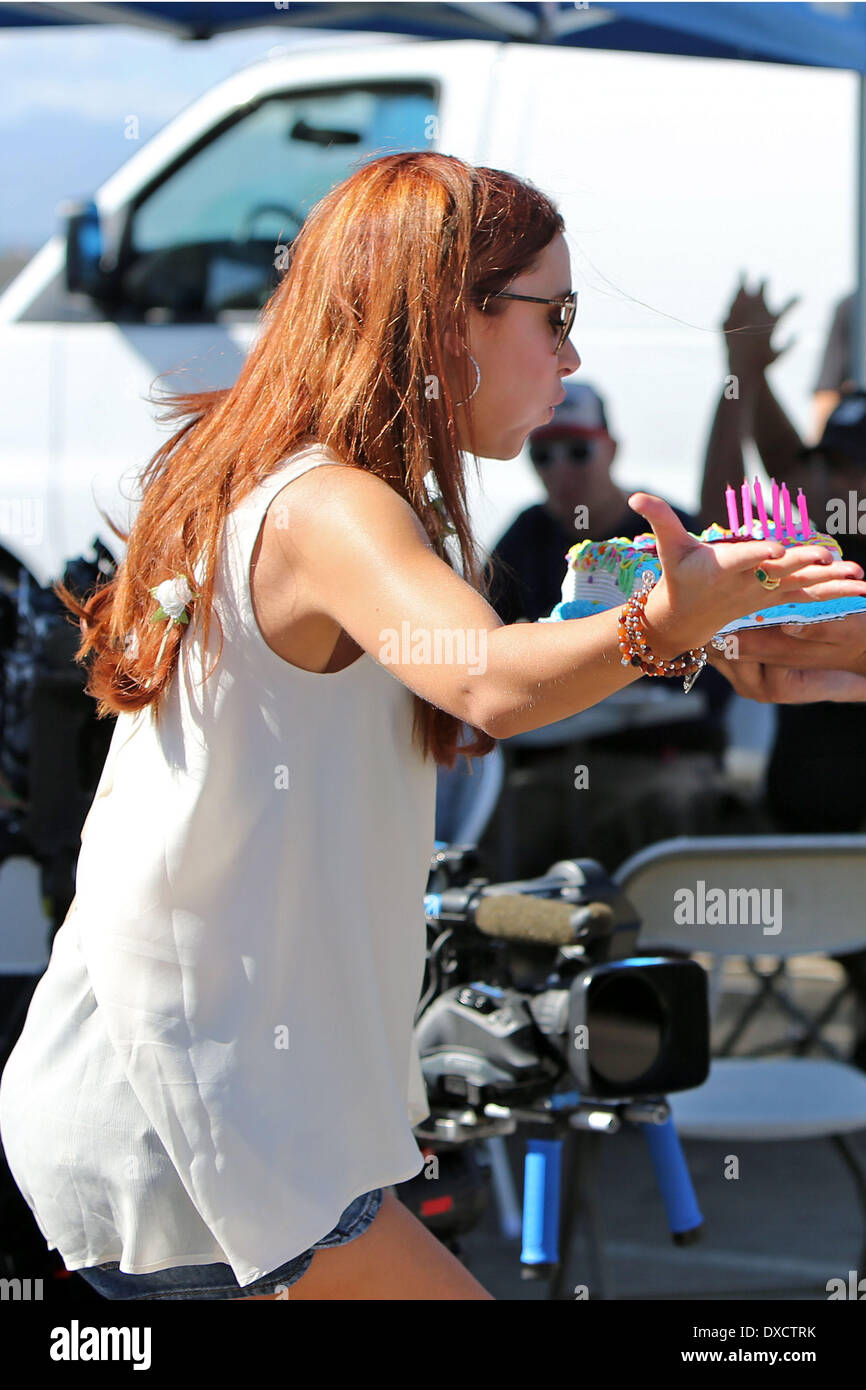 Una Healy Is Surprised With A Birthday Cake By The Reality Filming Crew As She