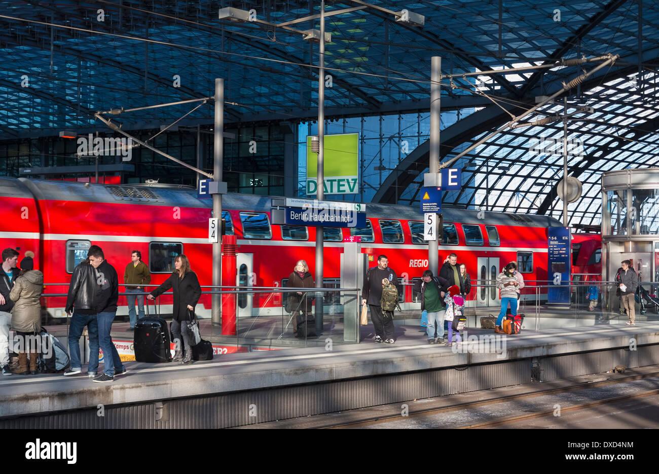 Train platform in Hauptbahnhof railway station, Berlin, Germany, Europe - Stock Image