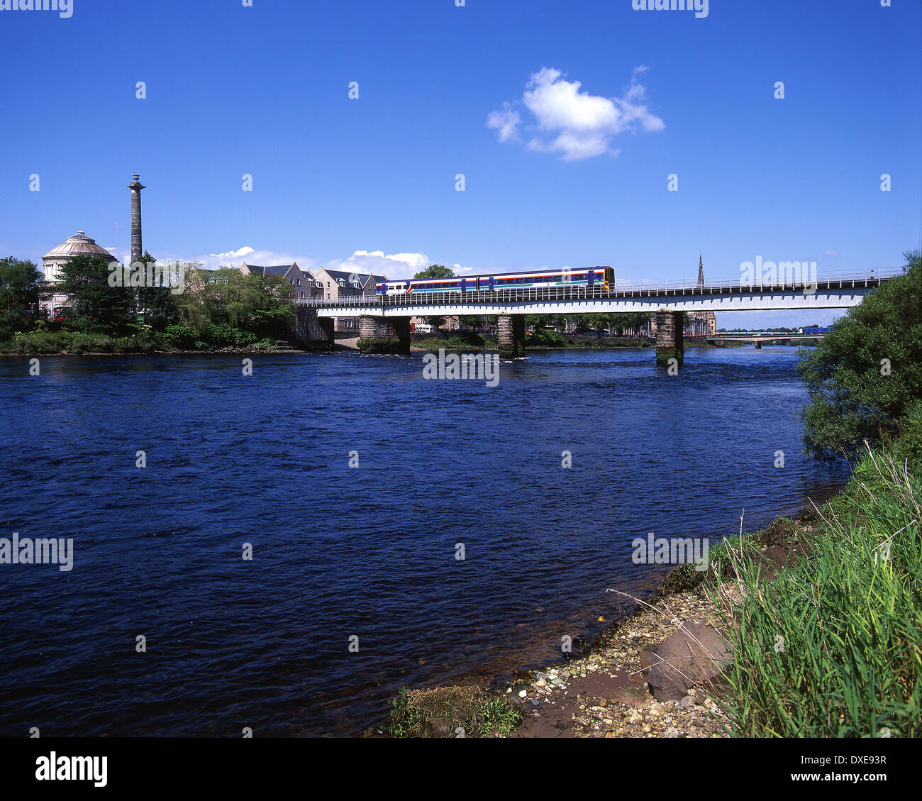 Scotrail 158 Sprinter crossing the river Tay, Perth - Stock Image