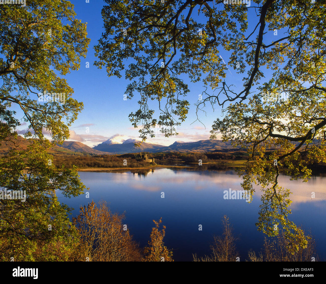 Autumn view over Kilchurn Castle - Stock Image