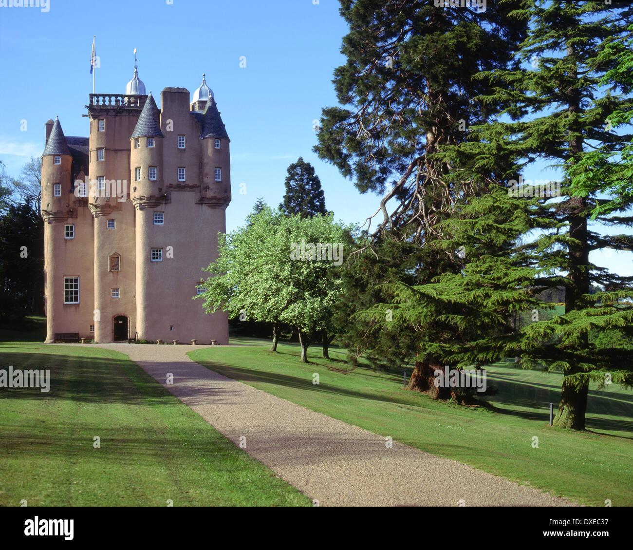 Nice Craigivar Castle, An L Plan Tower House (1626) Nr Alford, Aberdeenshire.