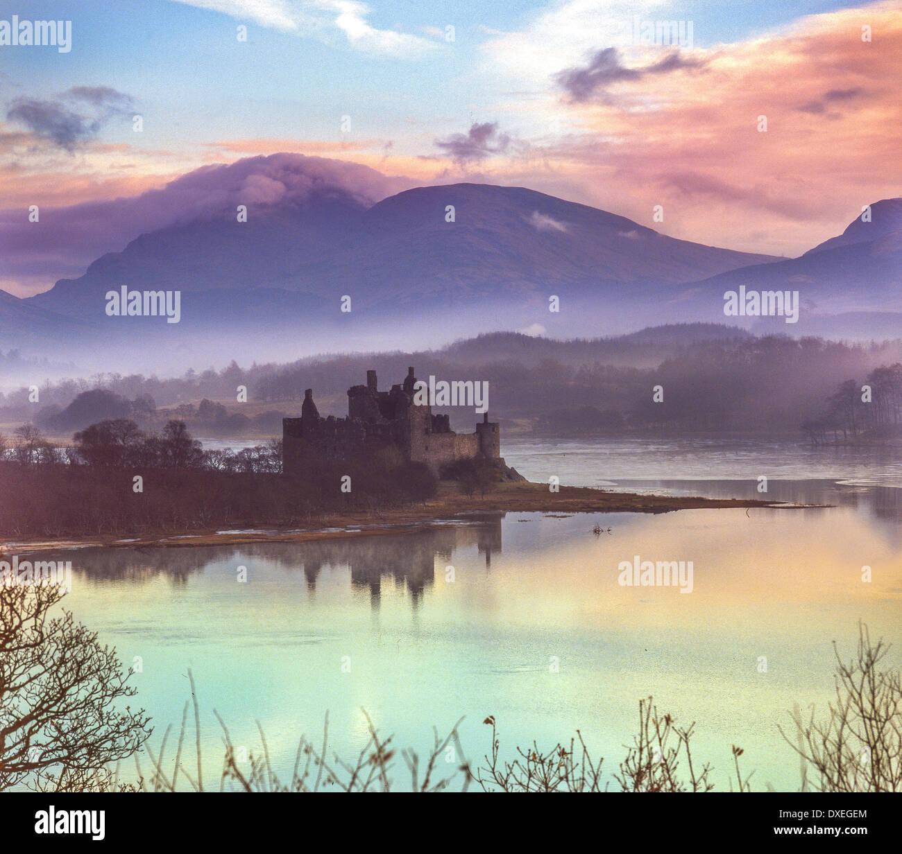 Kilchurn castle, Loch Awe, Argyll - Stock Image