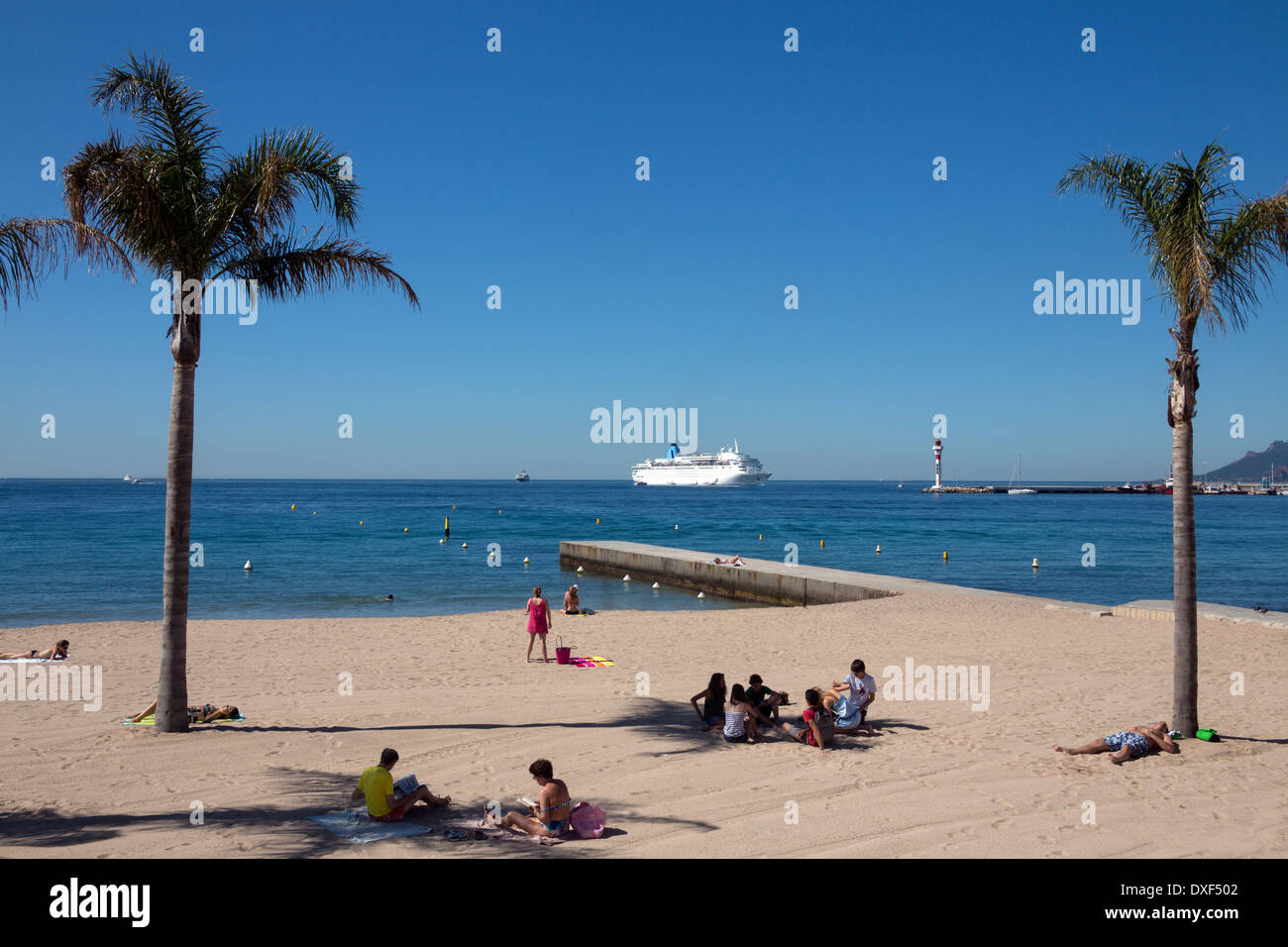 The beach at Cannes on the Cote d'Azur in the South of France. - Stock Image