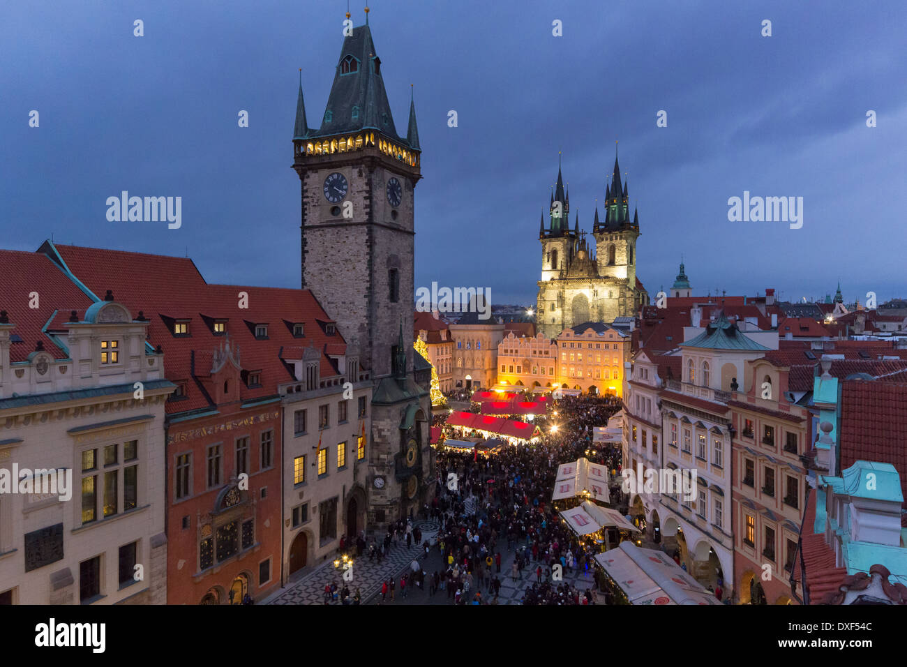 the Old Town Square at dusk, with the Old Town Hall and Church of Our Lady Before Tyn, Prague - Stock Image