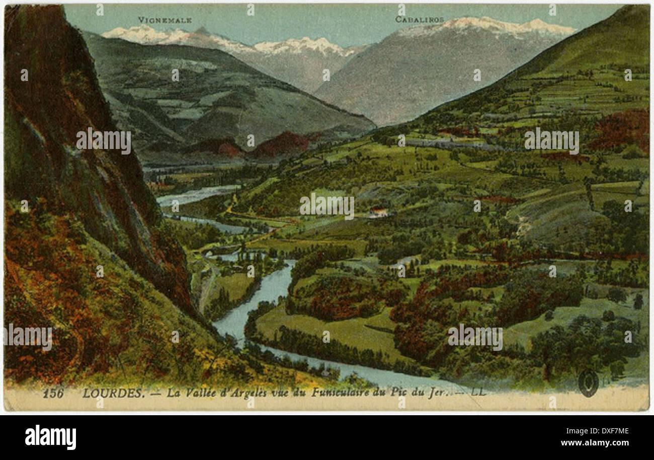 156 LOURDES. - La Vallée d'Argelés vue du Funiculaire du Pic du Jer. - LL - Stock Image
