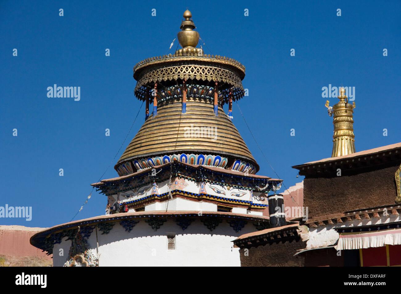 The Kumbum Stupa at Gyantse in the Tibet Autonomous Region of China. - Stock Image