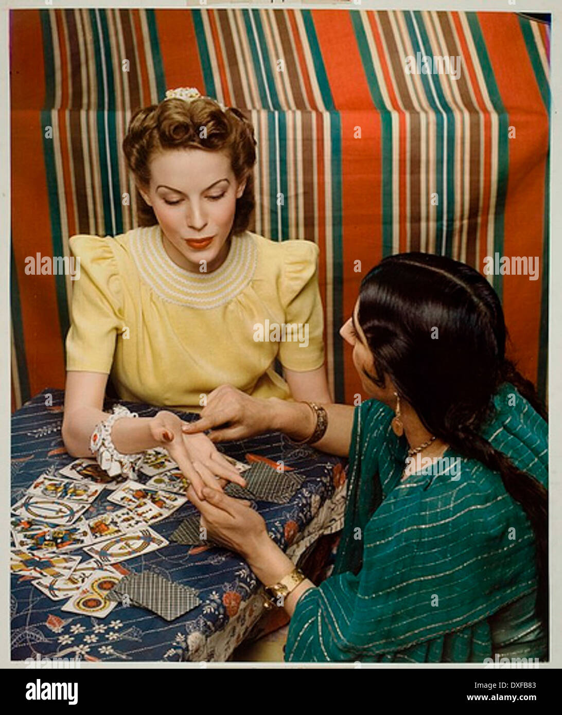 MCCALL'S MAGAZINE, STYLE & BEAUTY COVER, FORTUNE TELLER Stock Photo