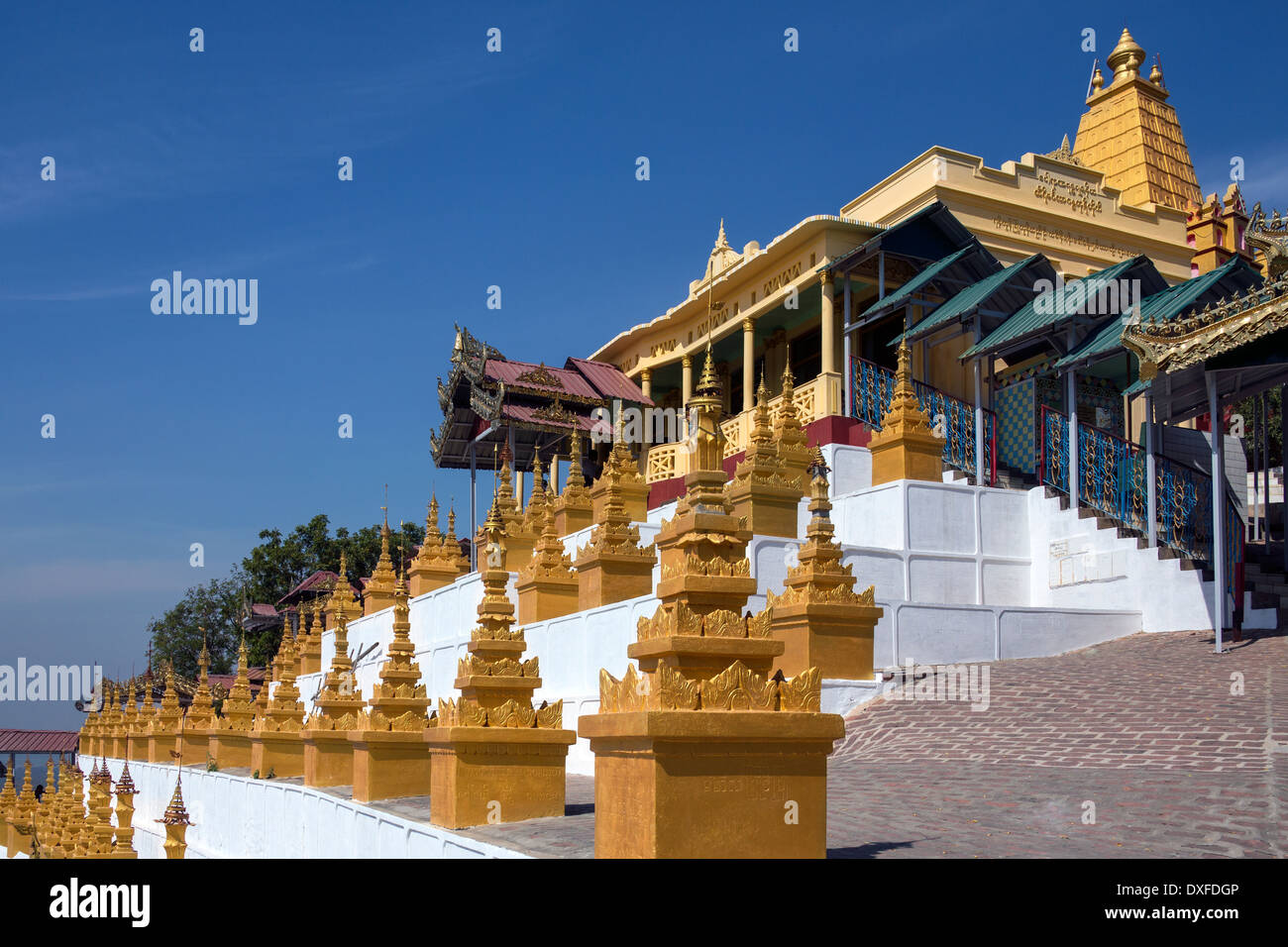 U Min Thonze Cave - A greatly revered Buddhist temple at Sagaing in Myanmar (Burma) - Stock Image