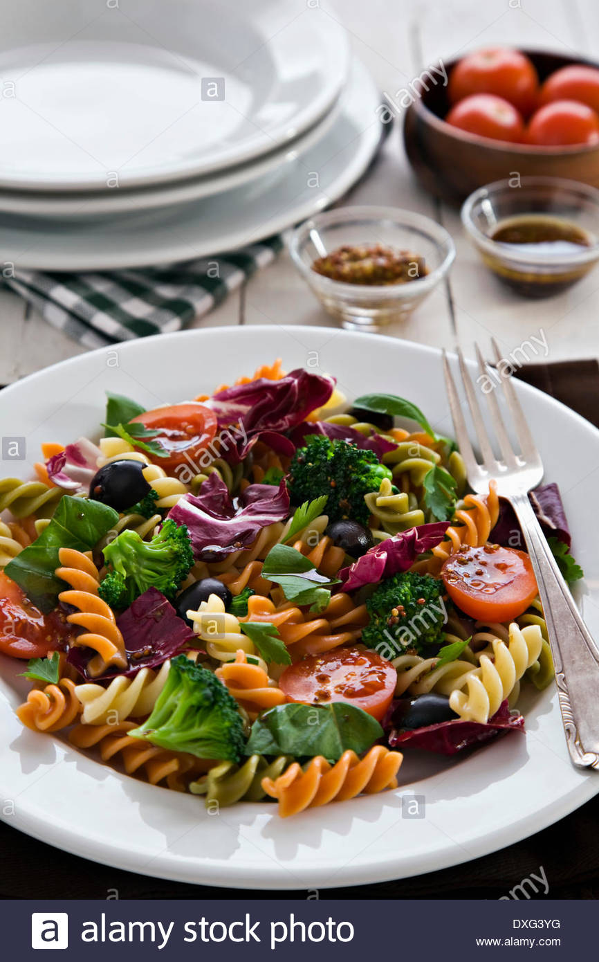 Pasta and vegetable salad - Stock Image