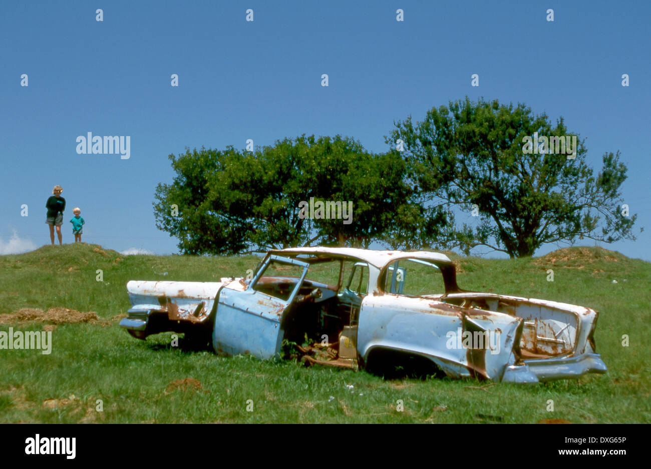 Scrap car abandonned in the veldt, Transkei - Stock Image