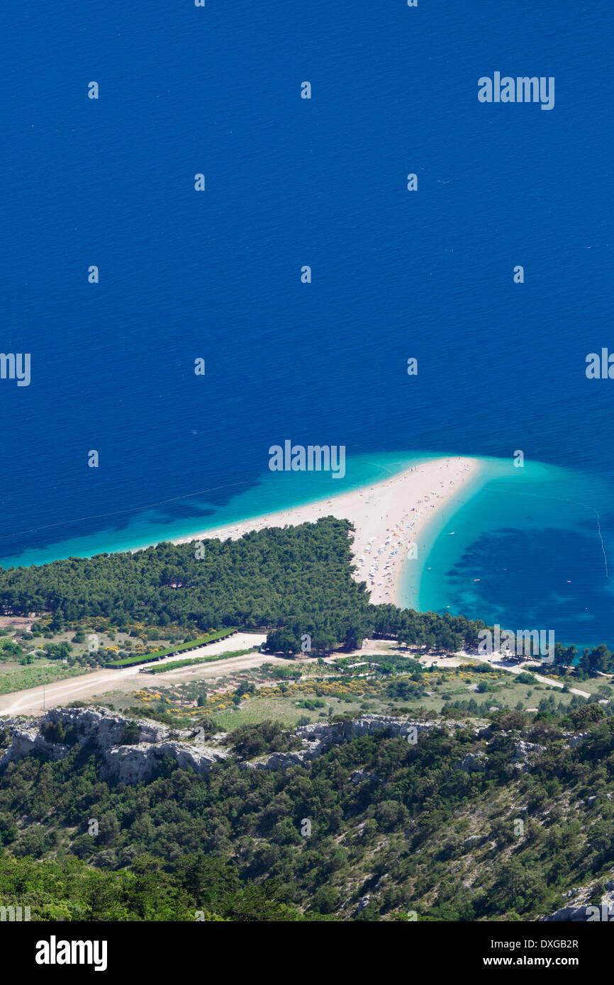 View from Vidova Gora on the town of Bol, Zlatni Rat or Golden Horn, island of Brač, Dalmatia, Croatia - Stock Image