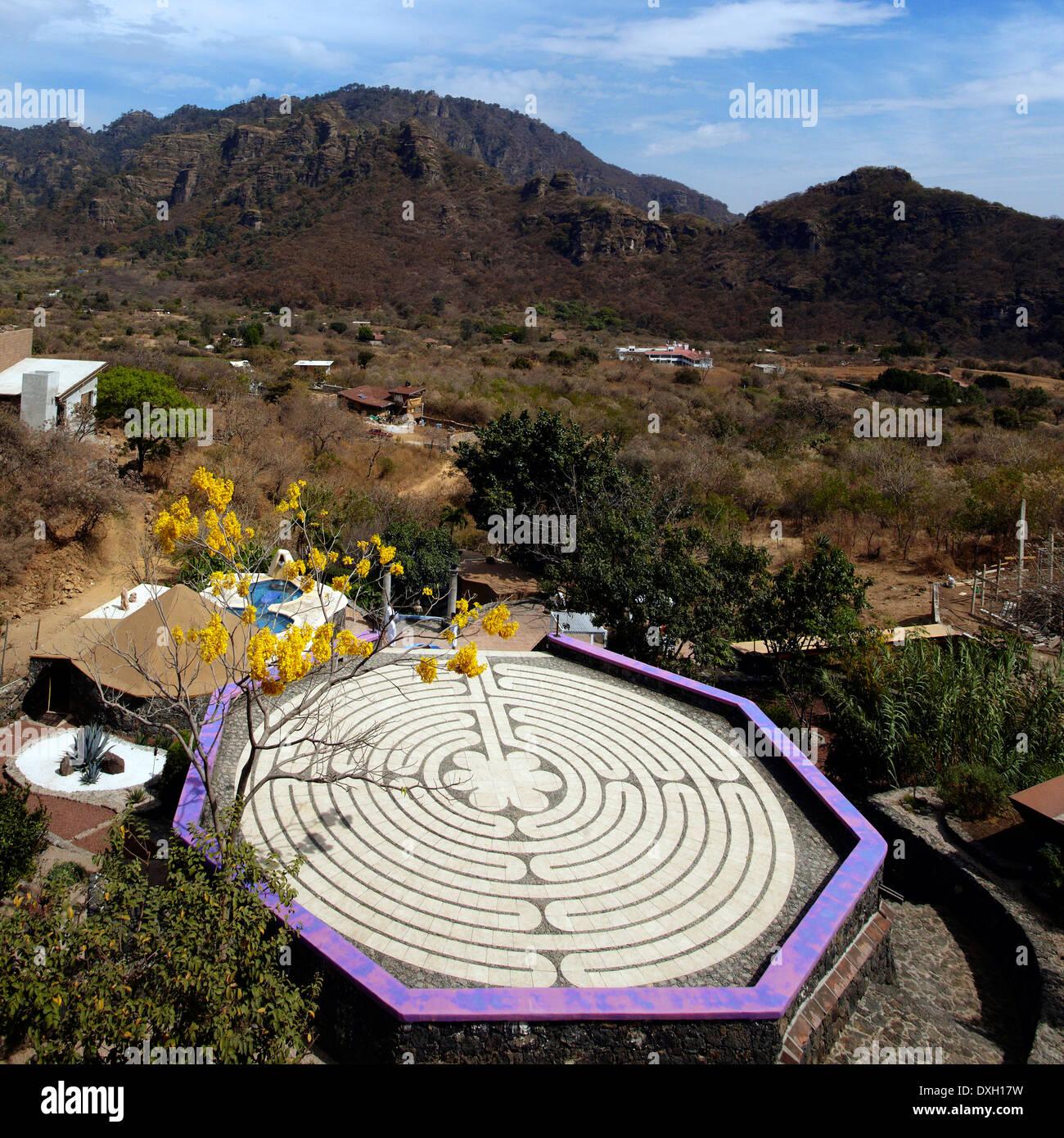América, Mexico, Morelos state, Amatlán village, hostal de la luz, copy of the Chartres labyrinth built over a octogonal pyramid - Stock Image