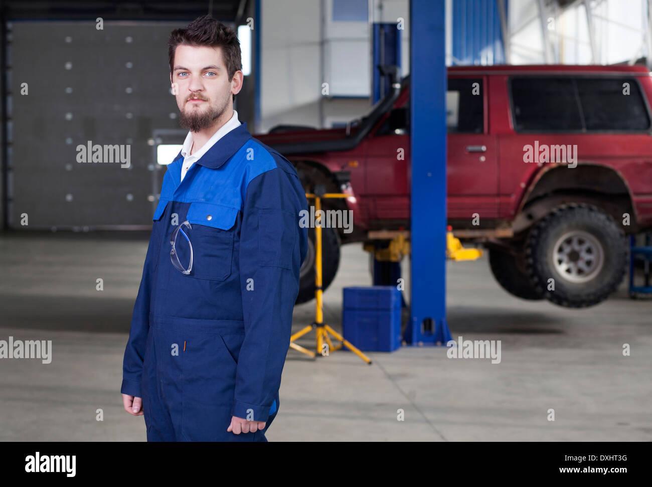 Car mechanic at work - Stock Image