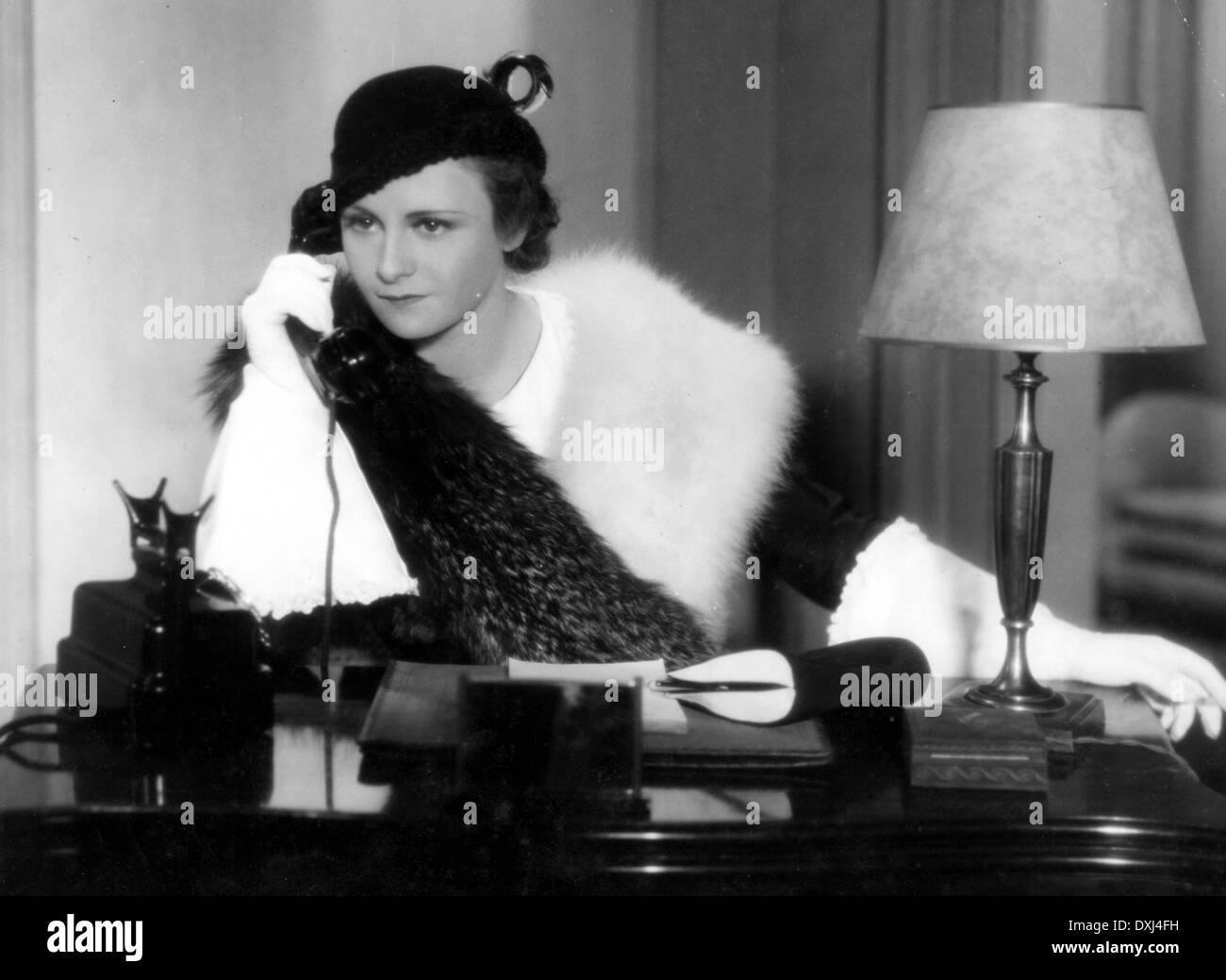 Michelle Burke Porno video Lota Delgado (1918?009),Silvia Saint