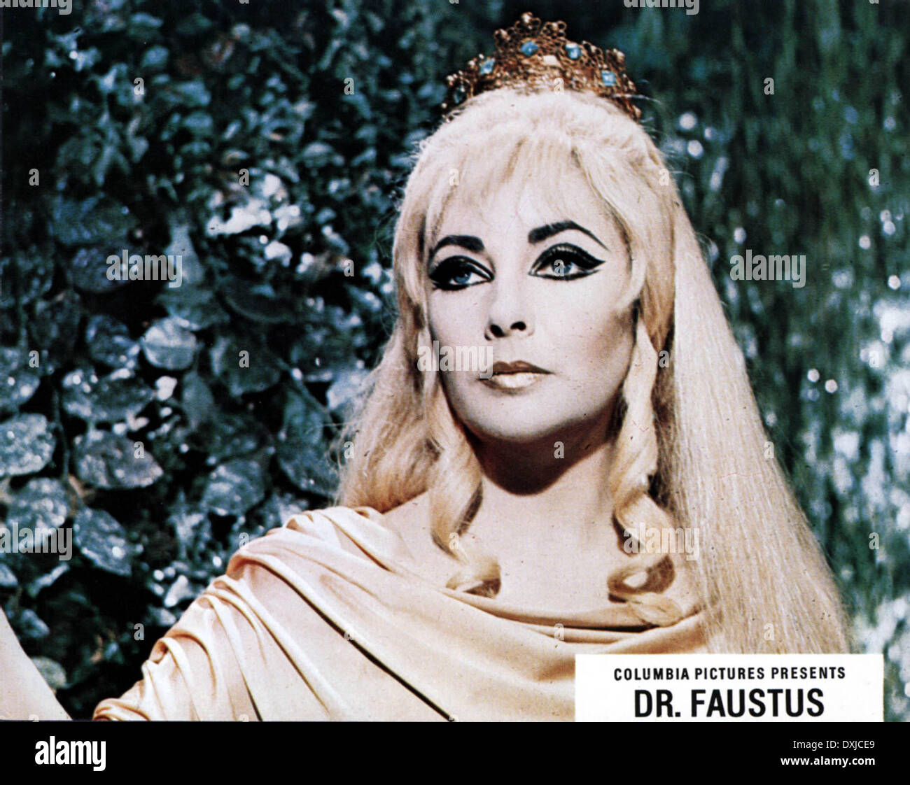 DOCTOR FAUSTUS (BR1967) Elizabeth Taylor as Helen of Troy - Stock Image