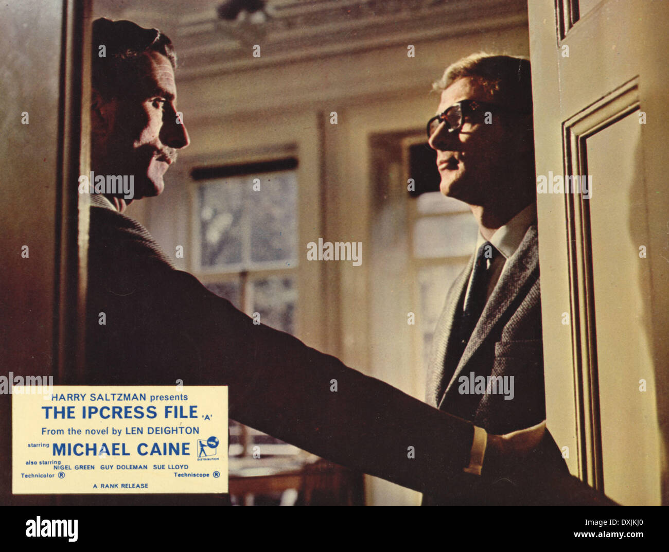 THE IPCRESS FILE (BR1965) NIGEL GREEN, MICHAEL CAINE AS HARR - Stock Image