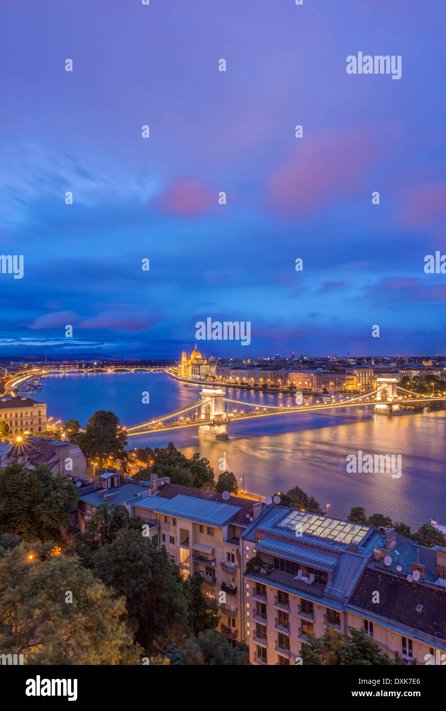 View of Chain Bridge illuminated at night, Budapest, Hungary - Stock Image