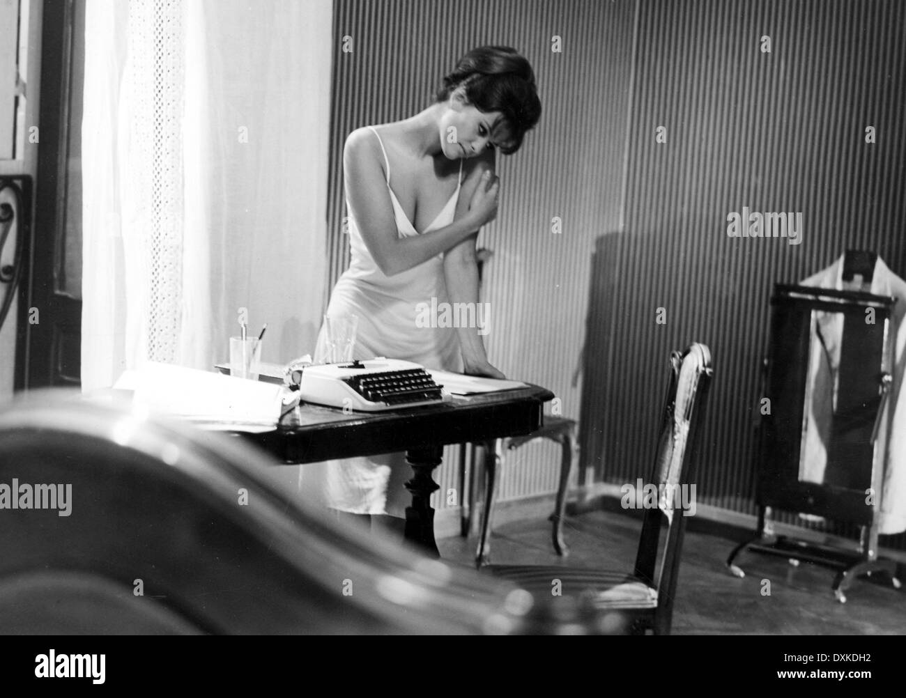 8 1/2 (IT1963) aka OTTO E MEZZO Claudia Cardinale Stock Photo ...