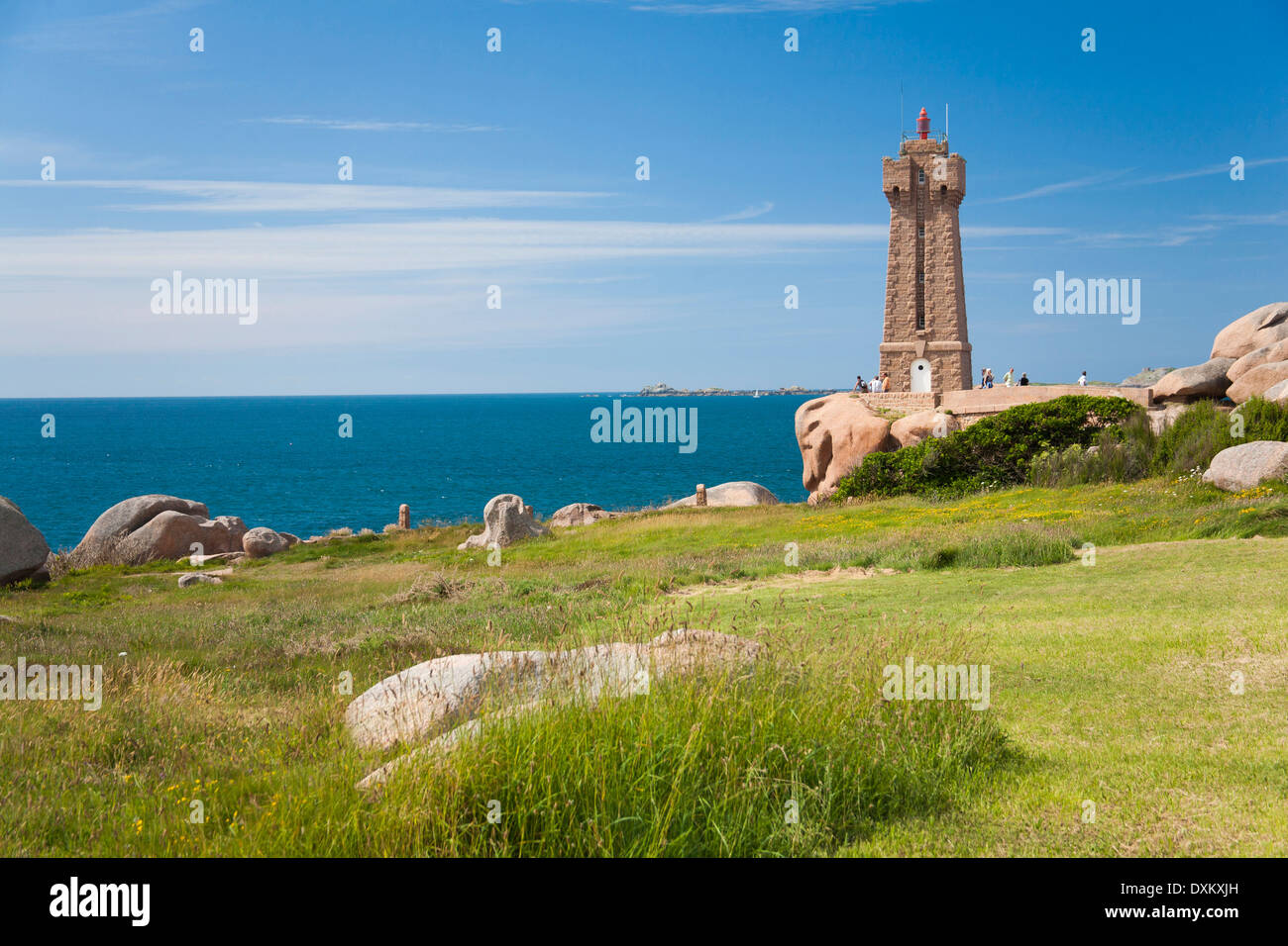 France, Brittany, Bretagne, Perros-Guirec, Ploumanach lighthouse. Stock Photo