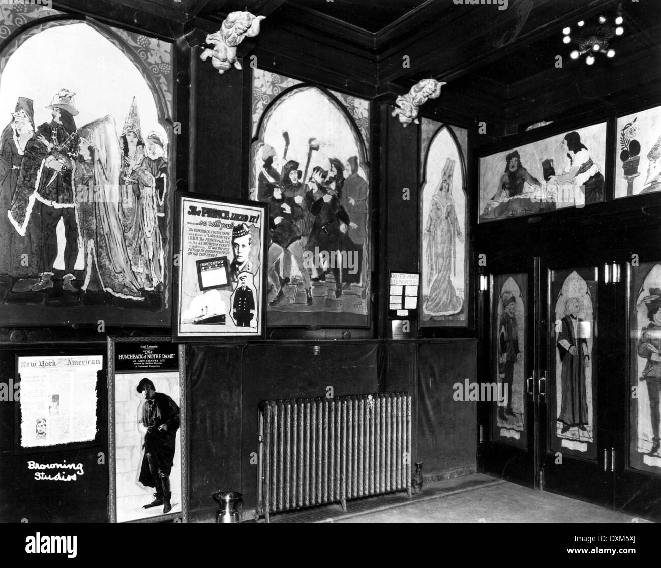 Unidentified Cinema in New York City, showing THE HUNCHBACK - Stock Image