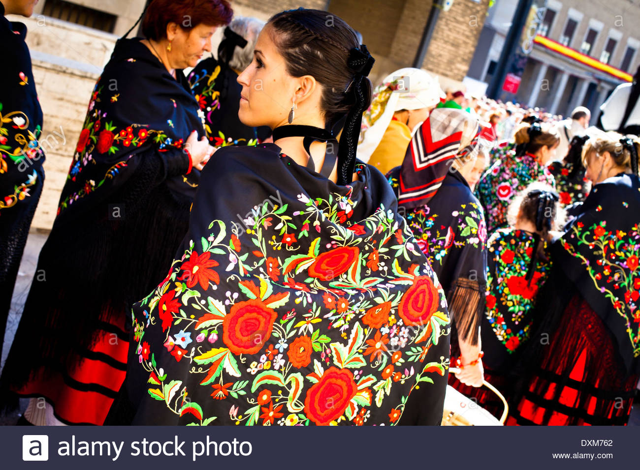 Spain, Aragon, Zaragoza, Pilar, young woman with traditional clothes - Stock Image