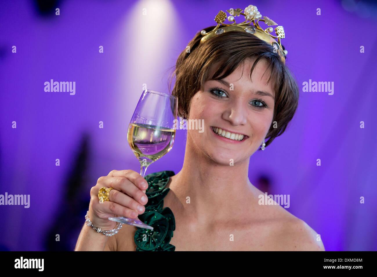 Queen Christin Nude Photos 19