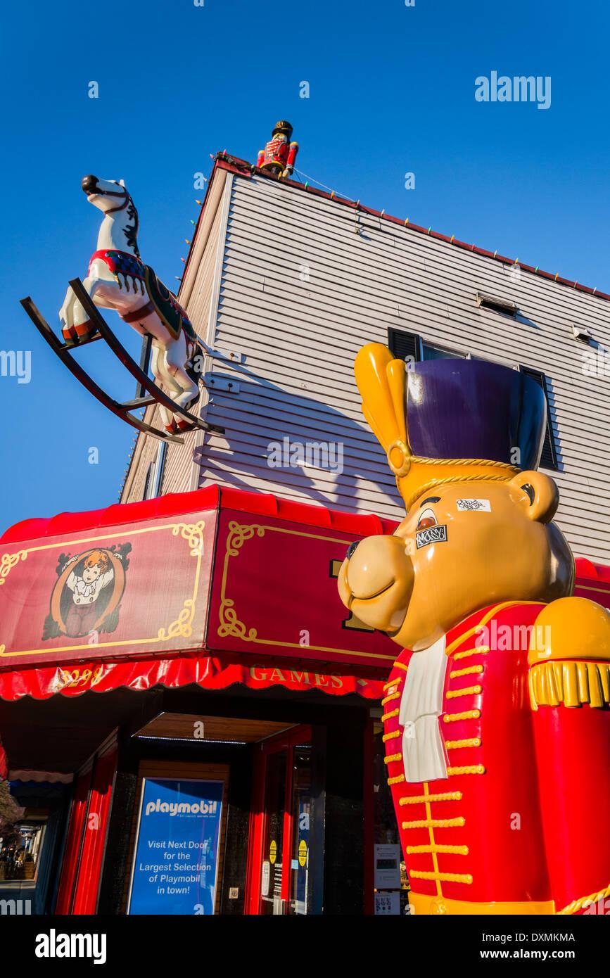 Granville Island Toy Company bear mascot, Vancouver, British Columbia, Canada - Stock Image