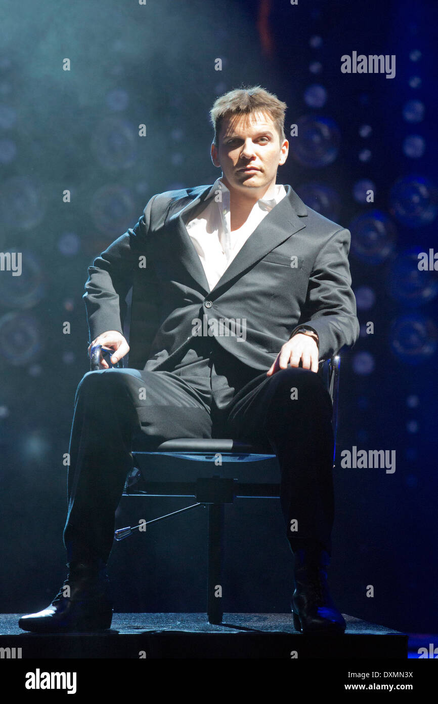 Photocall for the X-Factor Musical 'I Can't Sing!' written by Harry Hill and Steve Brown at the London Palladium - Stock Image