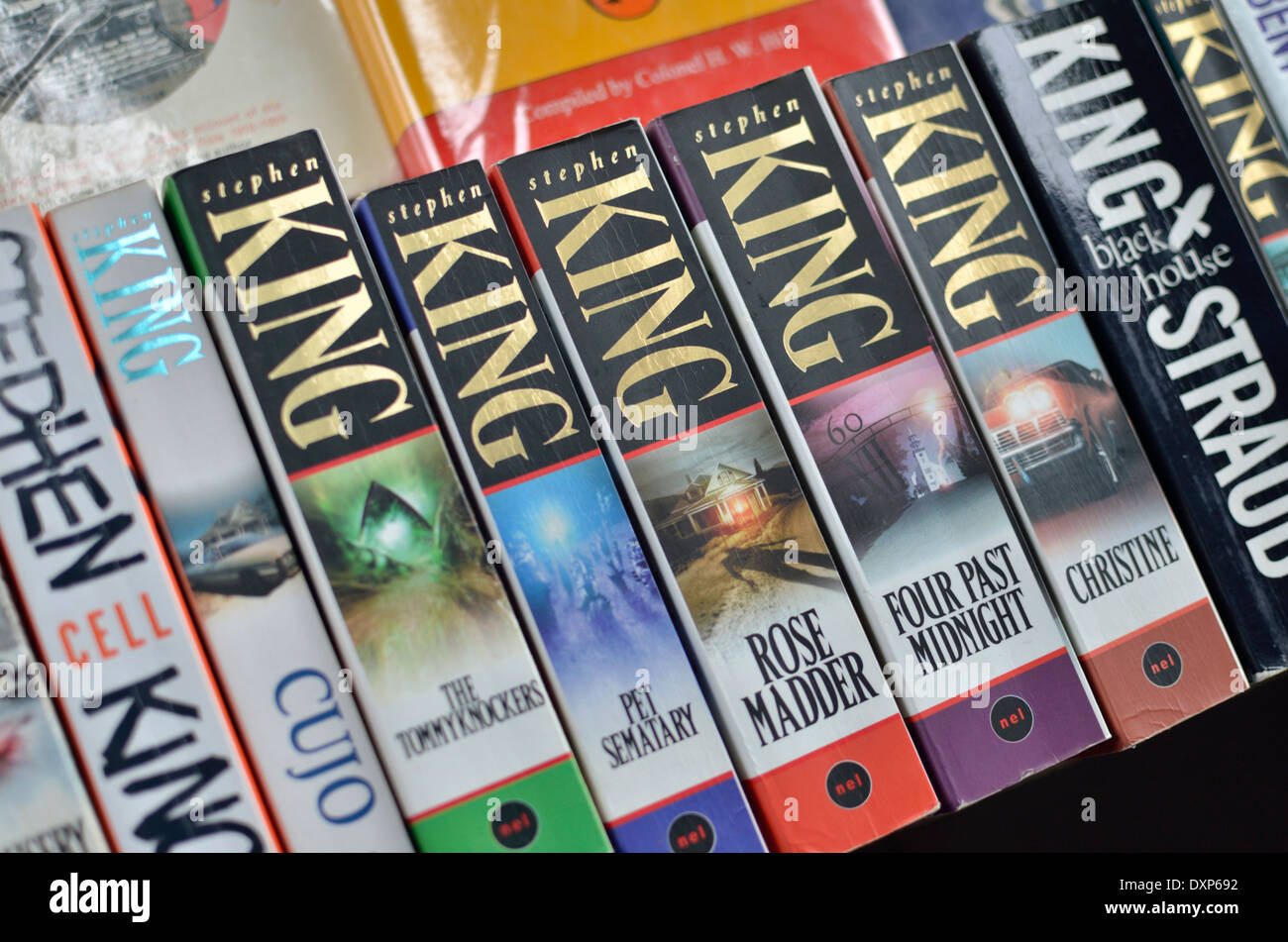 Paperback novels by Stephen King on a stall - Stock Image