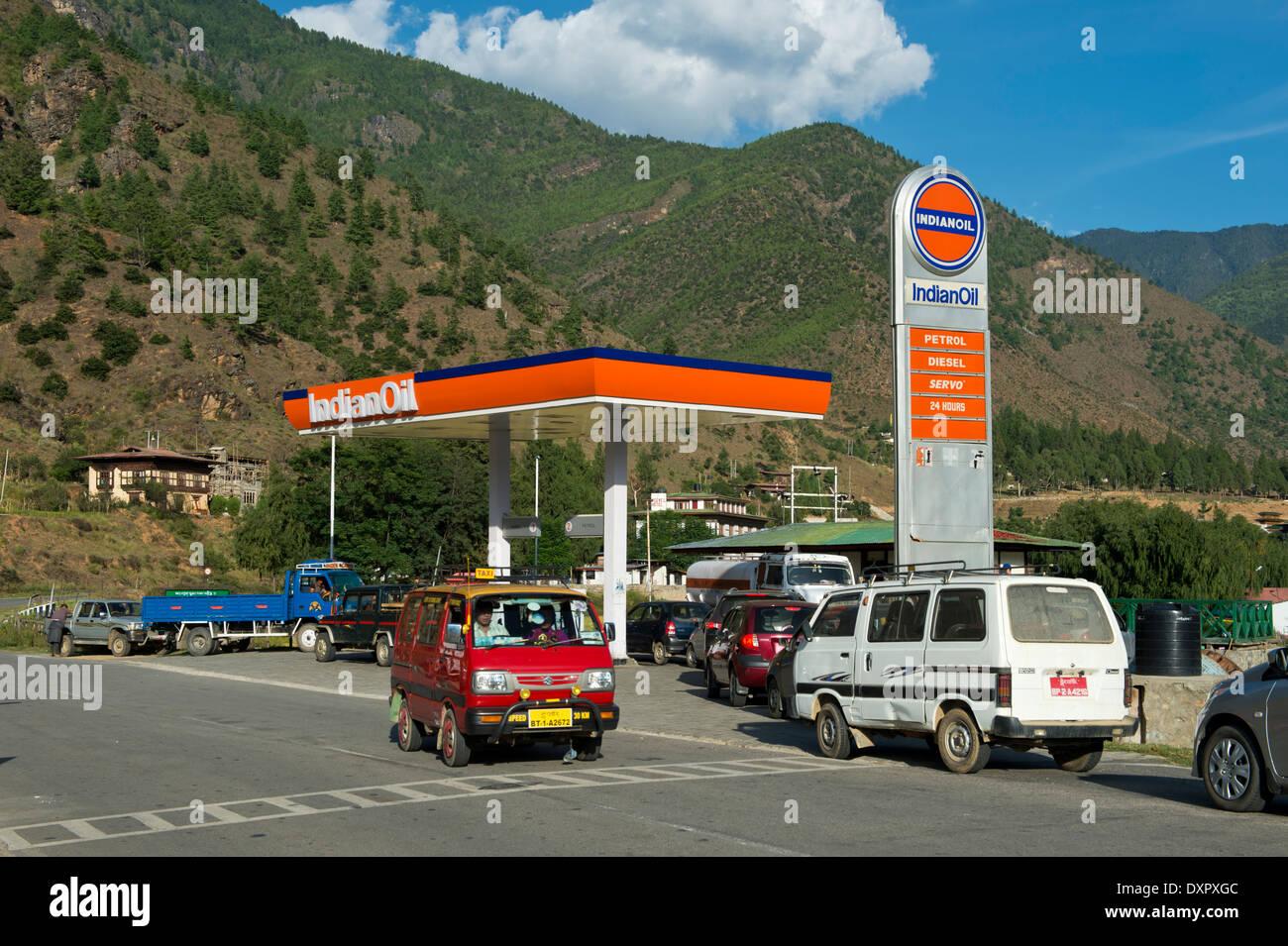 Petrol station of the Indian Oil Corporation, Paro, Bhutan - Stock Image