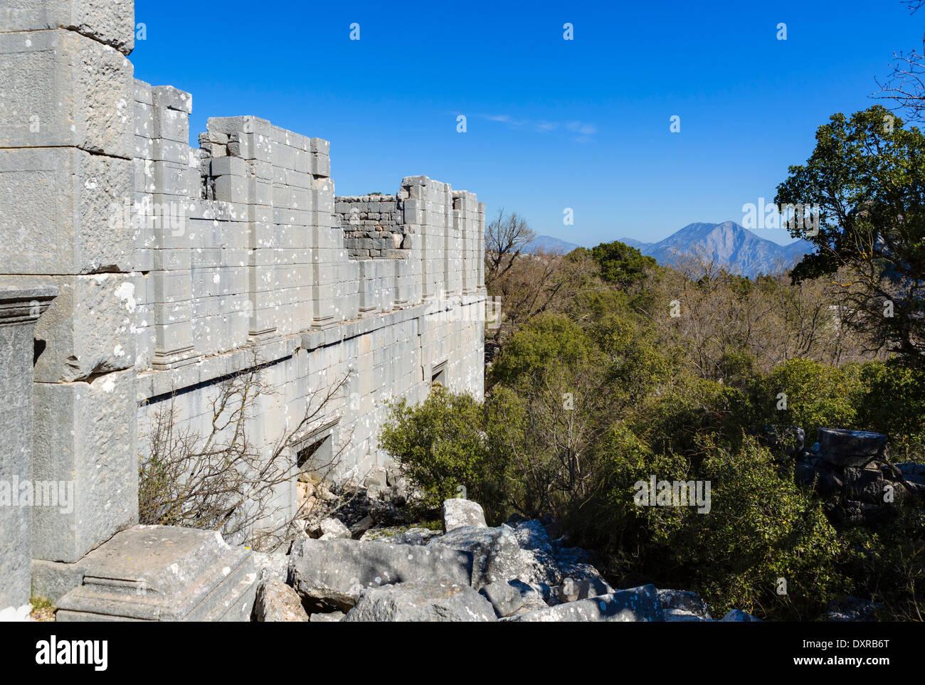 Well preserved walls of the Corinthian Temple at Termessos, Gullug Dag Milli Parki, Antalya Province, Psidia, Turkey - Stock Image