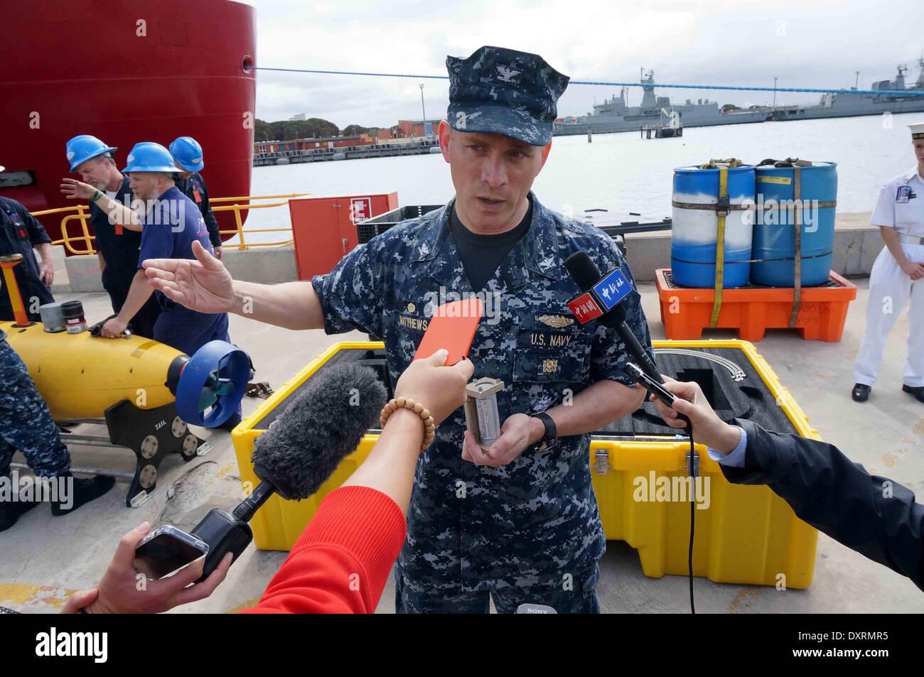 Perth, Australia . 30th Mar, 2014. U.S. Navy director of ocean engineering captain Mark Matthews introduces equipments Stock Photo