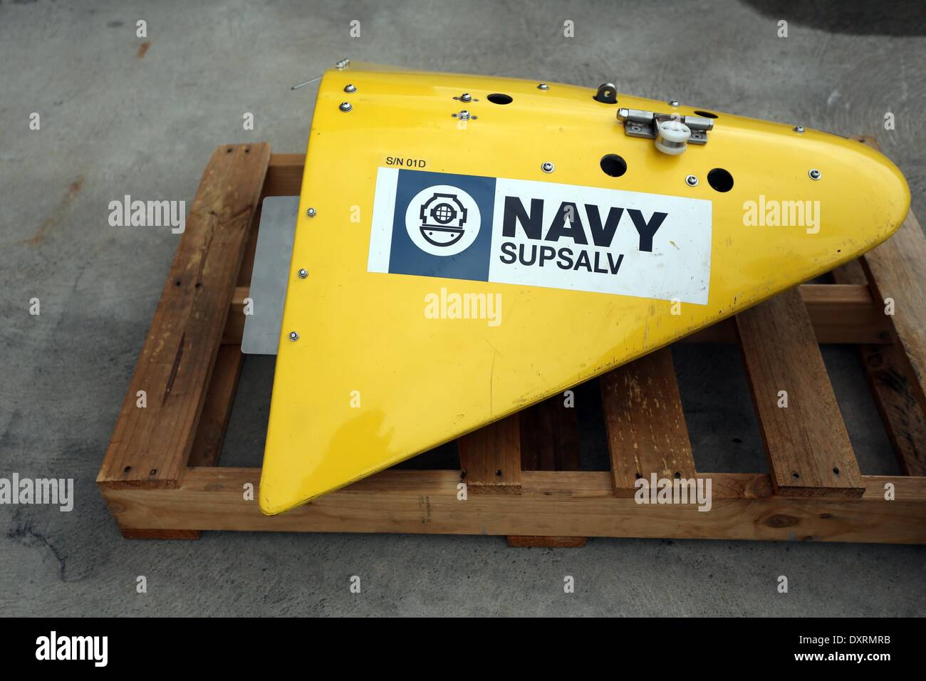 Perth, Australia . 30th Mar, 2014. A sensor for the towed pinger locator provided by U.S. Navy is seen before being loaded to Australian Defence Vessel Ocean Shield and used in searching for the missing Malaysia Airlines Flight MH370, at HMAS Stirling naval base near Perth, Australia, March 30, 2014. Credit:  Xinhua/Alamy Live News - Stock Image