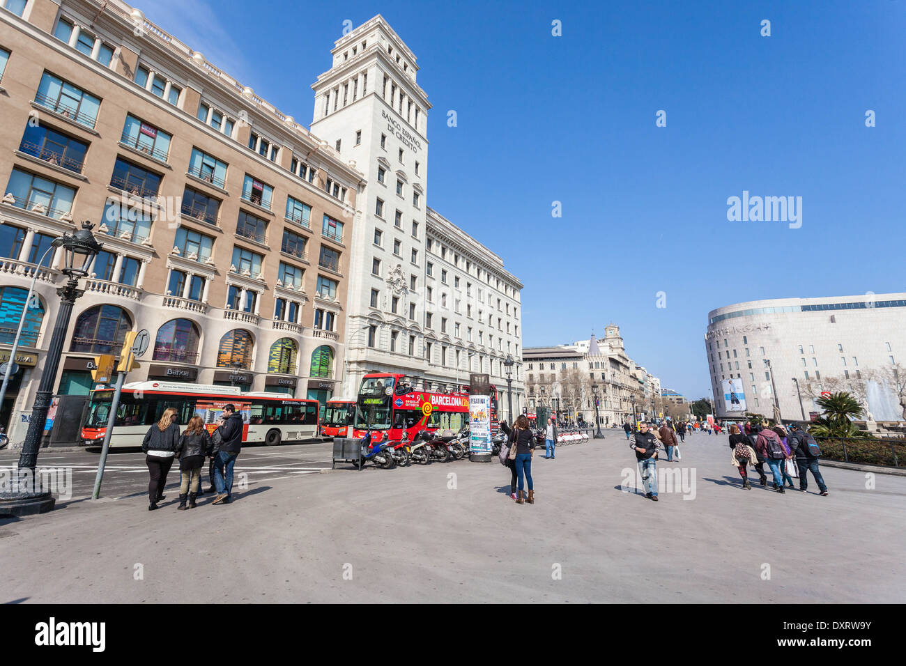Banco Español de Credito building seen from Plaça Cataluya, Barcelona, Spain. - Stock Image