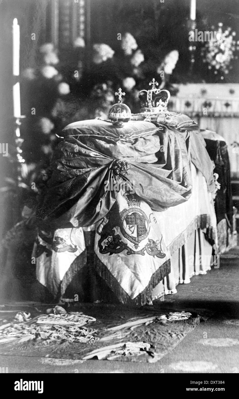 Lying in state of the Late King Edward VII - Stock Image