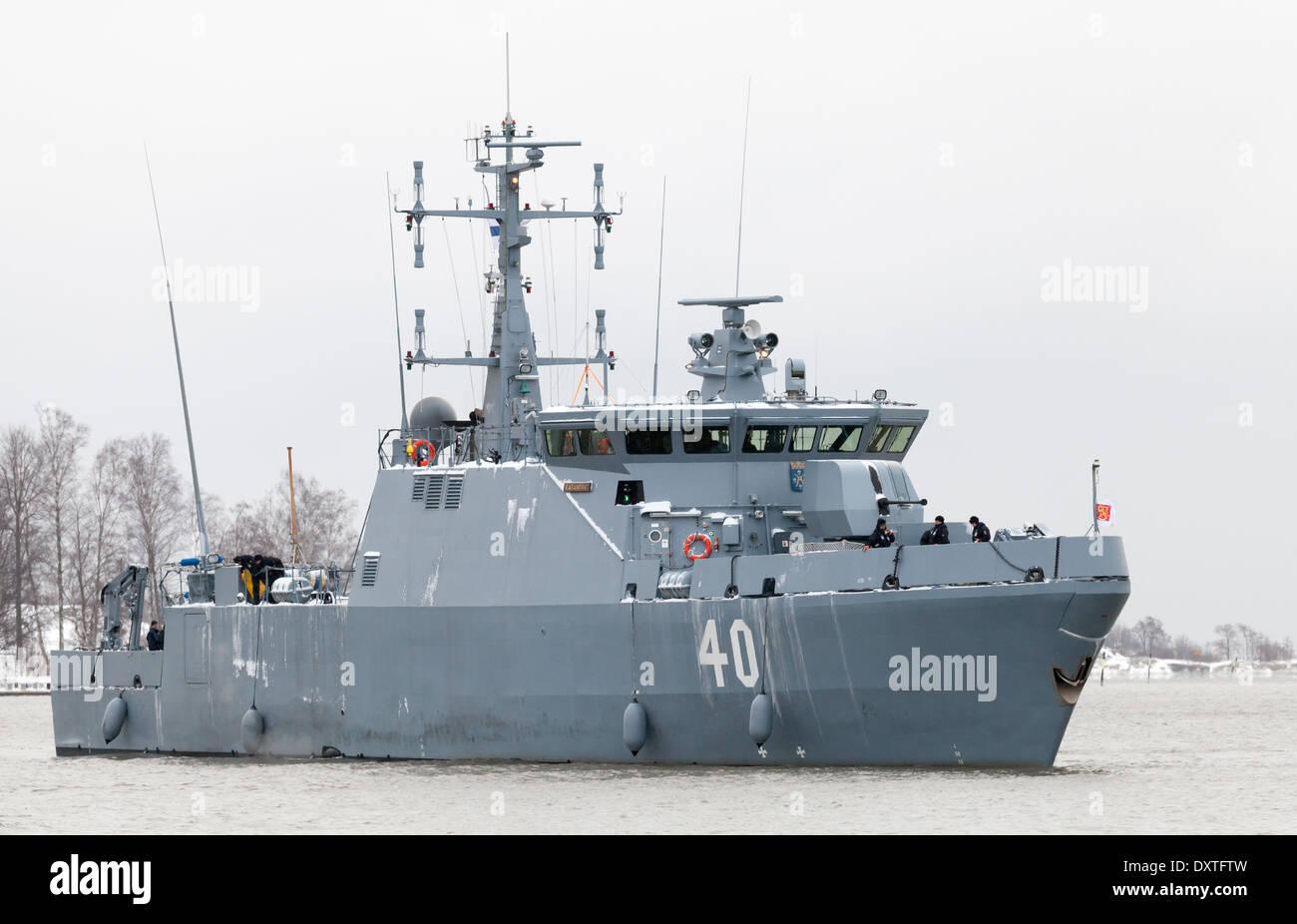HELSINKI, FINLAND - DECEMBER 2012: Katanpaa class mine countermeasure vessel enters the port of Helsinki - Stock Image