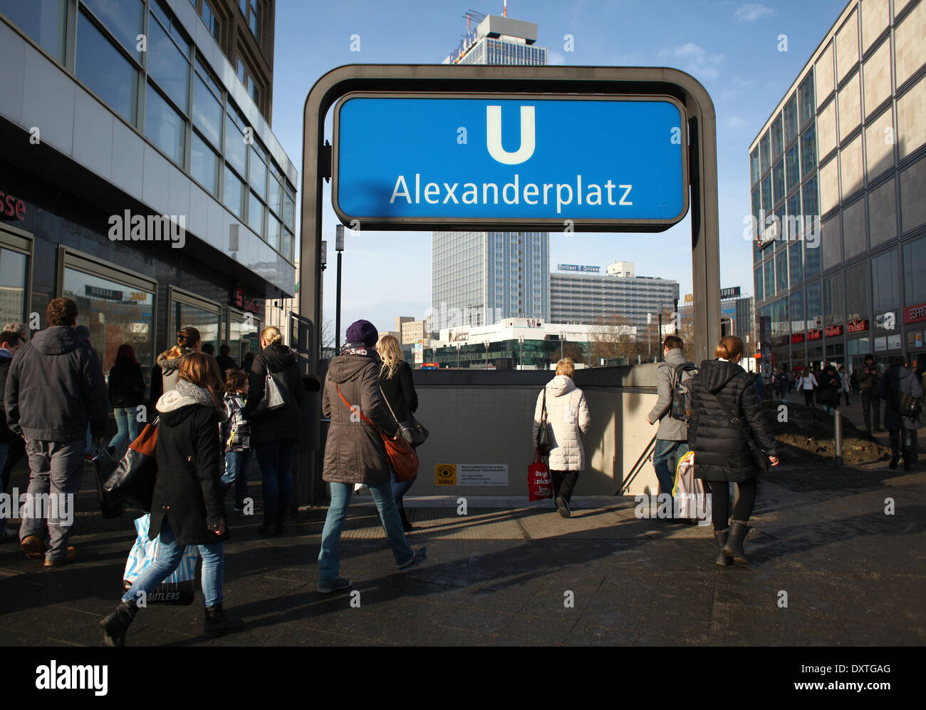 Metro entrance Berlin Alexanderplatz, pictured February 01, 2014. Foto: Wolfram Steinberg dpa Stock Photo